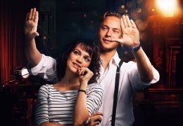 Traumfabrik - Milou (Emilia Schüle) und Emil (Dennis Mojen)