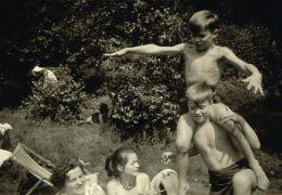 Peter Lindbergh - Women Stories - Peter Lindbergh mit...1953
