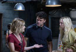 Fantasy Island - V.l.n.r.: Lucy Hale, Regisseur Jeff...m Set