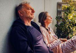 Wir Eltern - Vater Michael (Eric Bergkraut) und...erer)