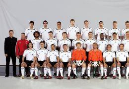 Schwarze Adler - Die Nationalelf von 2006 mit Patrick...eihe)