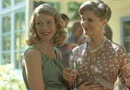 Sylvia Plath (Gwyneth Paltrow) mit ihrer Mutter...nner)