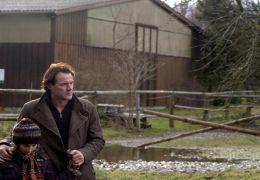 Dr. Frick (Sebastian Koch) und seine Tochter Ina (Zoe...kunde