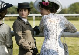 AUDREY TAUTOU und MARIE GILLAIN in 'Coco Chanel - Der...haft'