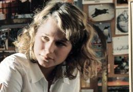 Karo (Jennifer Ulrich) im Gespraech mit ihrer besten...Welle