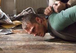 Thomas Craven (Mel Gibson) nimmt Burnham (Shawn...ness'