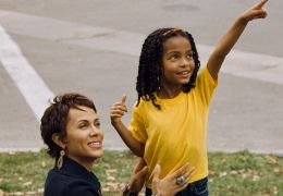 Trish (Nicole Ari Parker), Olivia (Yara Shahidi) -...r los