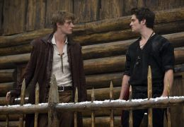 Red Riding Hood - MAX IRONS und SHILOH FERNANDEZ