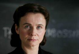 Mitten im Sturm - Eugenia Ginzburg (Emily Watson) vor...enten