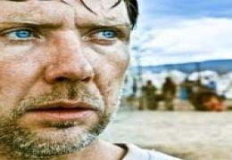 Mikael Persbrandt in 'H vnen'