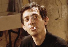 Serge Gainsbourg (Eric Elmosnino) in 'Gainsbourg -...ebte'