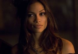 Persephone (Rosario Dawson) in 'Percy Jackson - Diebe...lymp'