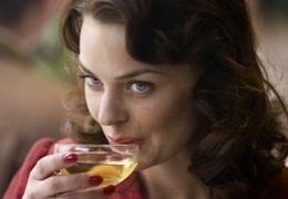 Agnes Kittelsen in 'Max Manus'