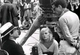 Arthur Penn mit Warren Beatty und Faye Dunaway, am...lyde'