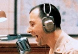 Good Morning Vietnam - Bruno Kirby,