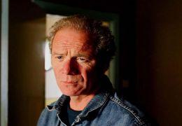Jacks Bewährungshelfer Terry (Peter Mullan) macht...zling