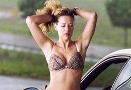 Alexandra Neldel in 'Autobahnraser'