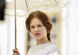 Ludwig II - Sophie in Bayern (Paula Beer)