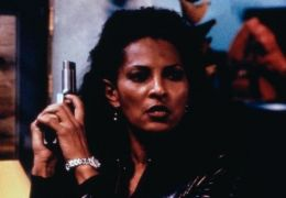 Pam Grier - Under Cover - In too Deep