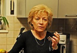 Mutter und Sohn - Cornelia (Luminita Gheorghiu) ist...alten