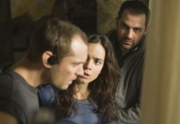Repo Men - (L to R) JUDE LAW as Remy, ALICE BRAGA as...CHNIK