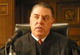Judge Harkin (Bruce McGill)