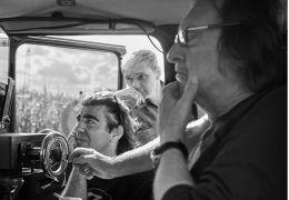 Tschick - Kameramann Rainer Klausmann mit Regisseur...m Set